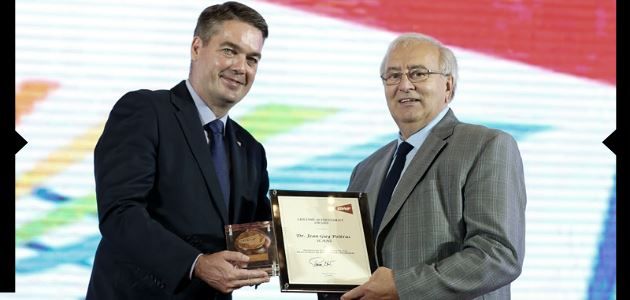 BWF Lifetime Achievement Award Presented to Mr. Jean-Guy Poitras